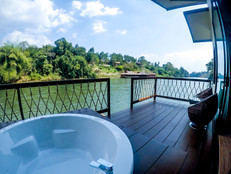 Grand Deluxe Raft With Spa Bath