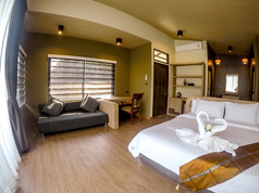 Grand Deluxe Raft Room with Spa Bath