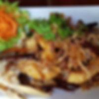 ปลากระพงทอดซอสมะขาม.jpg
