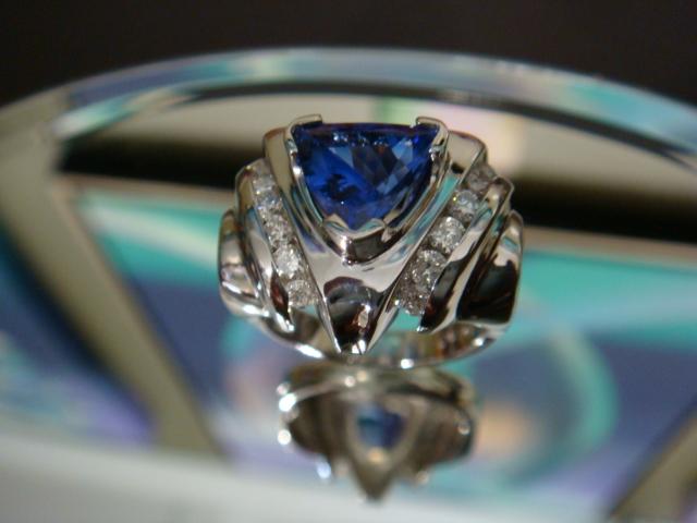 Tanzanite & diamonds in platinum