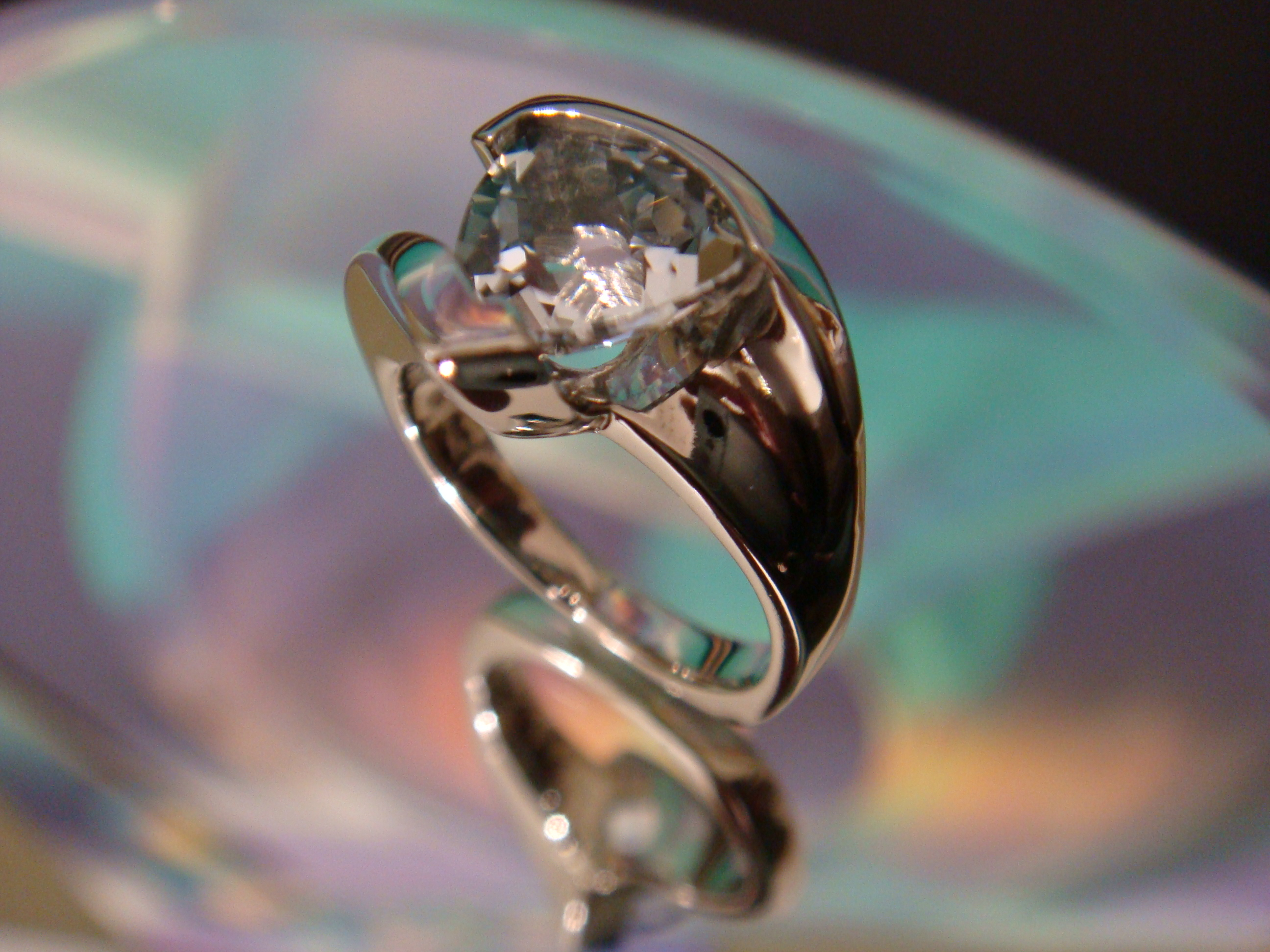 White gold & trillian diamond