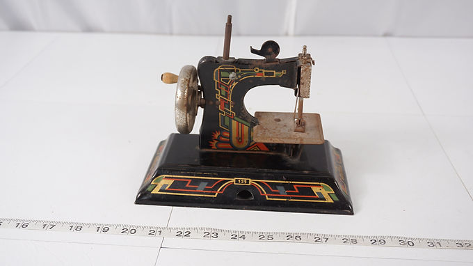 1940s Casige Sewing Machine Toy