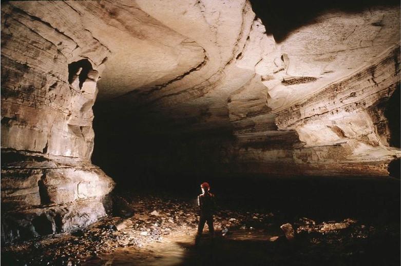L3 - Paul Wightman Fogelpole Cave.jpg