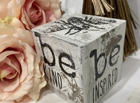 Create an Inspirational Wood Home Decor Cube