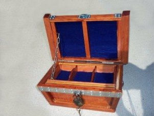 small-treasure-chest-lid-open-view-300x2