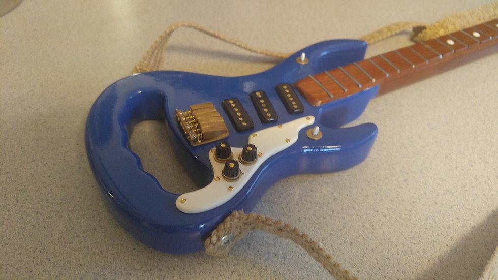 The Maxie moon shadow guitar cane