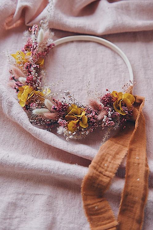 BETTY, la demie couronne de fleurs séchées.