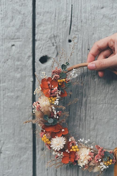 CAPUCINE, la demie couronne de fleurs séchées
