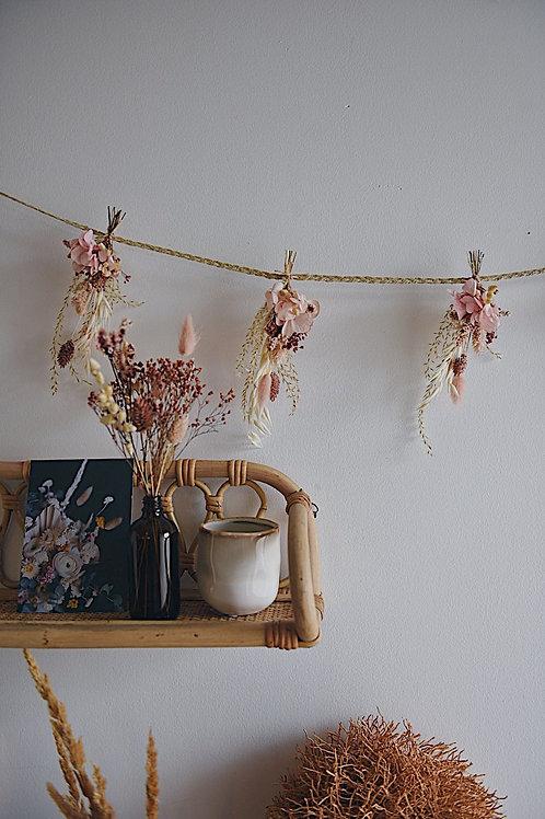 JUSTINE, la guirlande de fleurs séchées