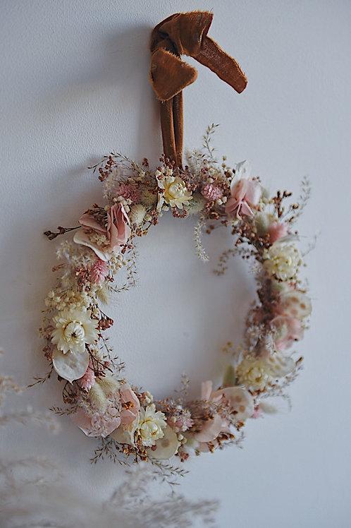 NORA, la couronne de fleurs séchées