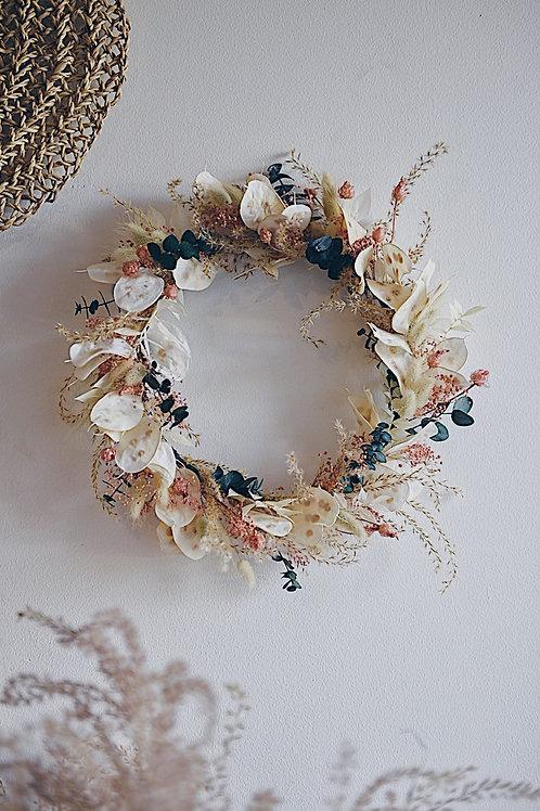 LISA, la couronne de fleurs séchées