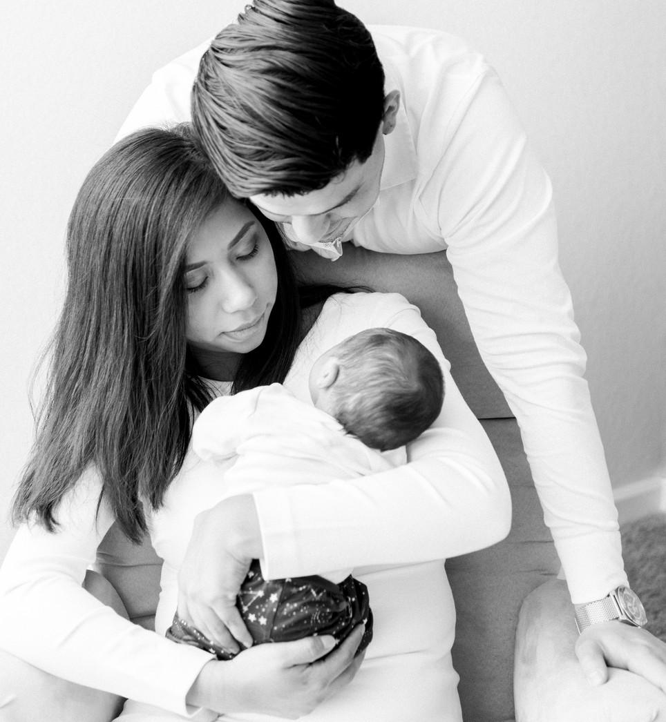 Luka Hernández Newborn Photoshoot -202-3