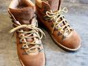 靴修理:マウンテンブーツのオールソール修理です