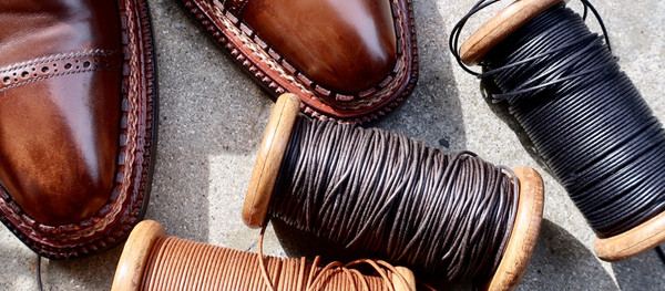 ほそーい靴紐が入荷しました