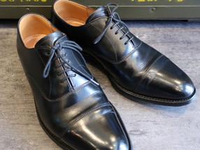 靴修理:チーニーのかかと修理とライニング補修