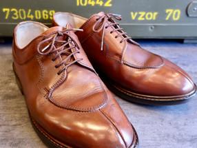 靴修理:かかと修理と靴みがき