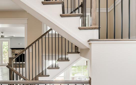 Windmill Hill Urban Retreat: Stairs