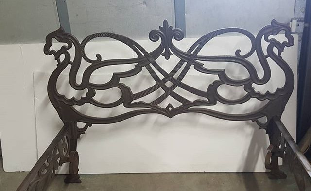 A rare 19 th century cast iron bed #anti