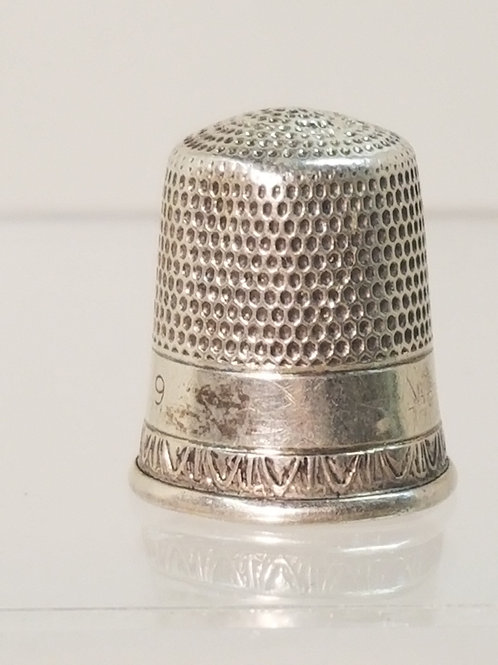 A sterling silver thimble c1920