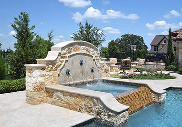 Amazing pool and fountain landscape design by Tom Pritchett