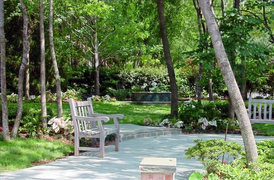 Beautiful garden landscape design by Tom Pritchett