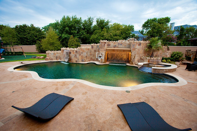 Amazing pool and landscape design by T.H.Pritchett/Associates