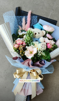 Hand Bouquet Graduation with Succulent & Dry Flower
