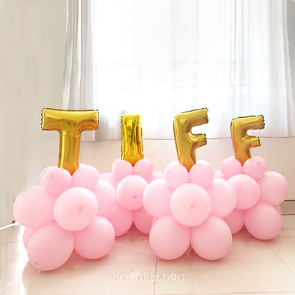 Small Standing + Letter Balloon