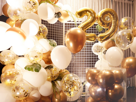 Simple Gold Theme Balloon Decoration