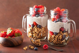 pudding-chia-granola-fruits.jpg