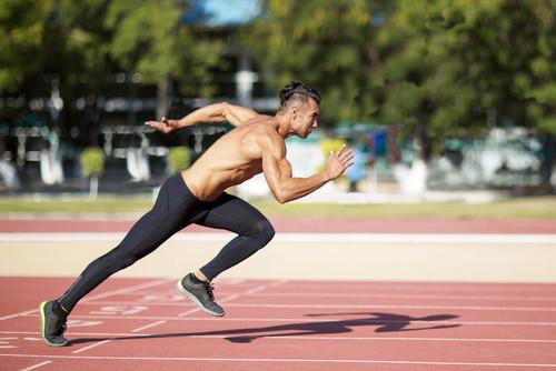 Coach sportif vous développe vos performances physiques afin de préparer un objectif sportif dans votre discipline