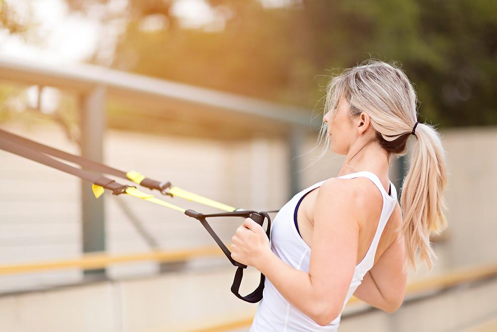 Séances de coaching sportif à Bordeaux au TRX pour renforcement musculaire et tonification complète du corps