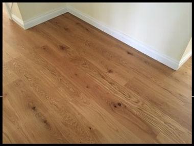 Engineered Oak Floorig with new skirting boards