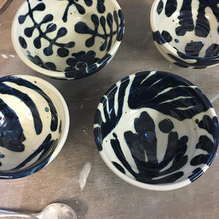 small patterned bowls  Ø. 20cm  stoneware with cobalt
