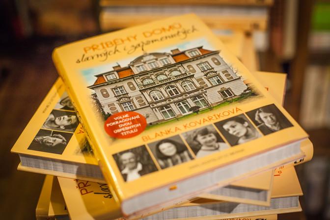 Křest nové knihy Blanky Kovaříkové o domech slavných v Café AdAstra