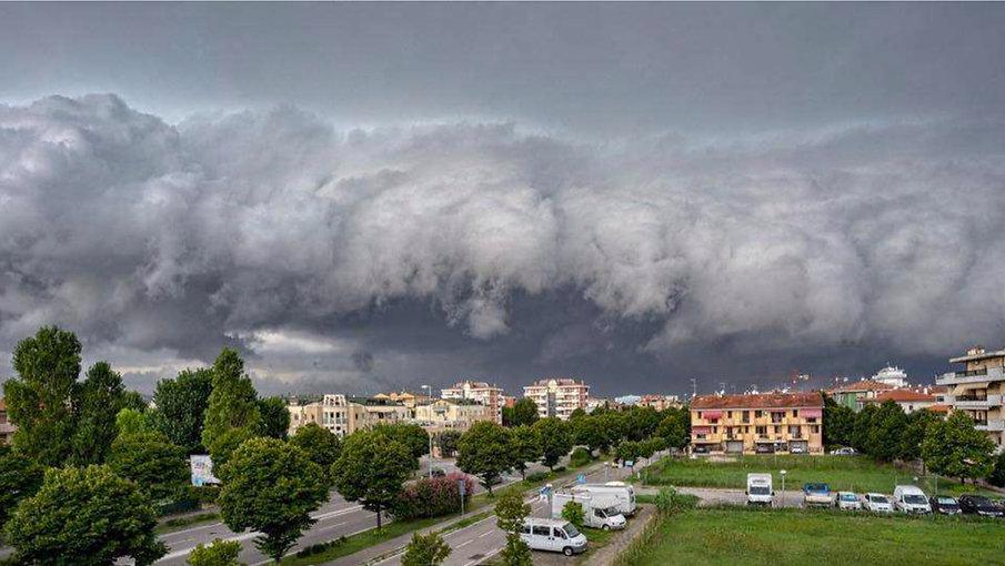 Deformace mraků 2. srpna 2019 s nainstalov