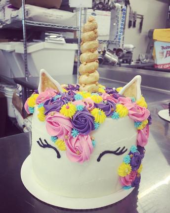 Unicorn Cake_1590609811.jpg