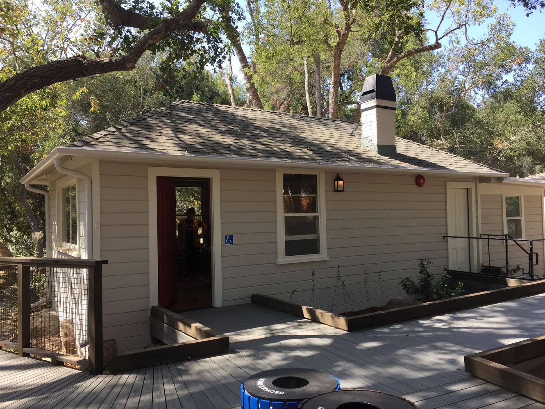 MacVeigh Cottage2