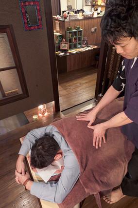 Shiatsu massage and delicious coffee; the double joy!