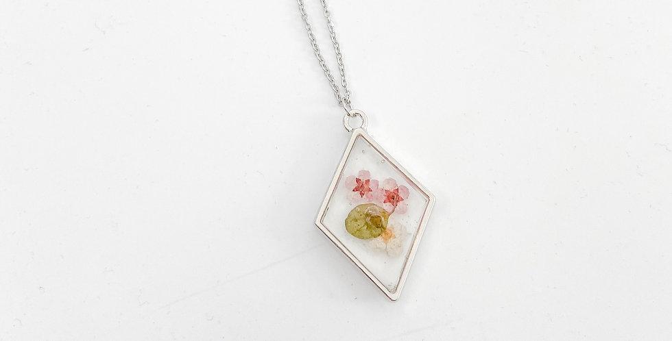 3 kleine bloemetjes ketting