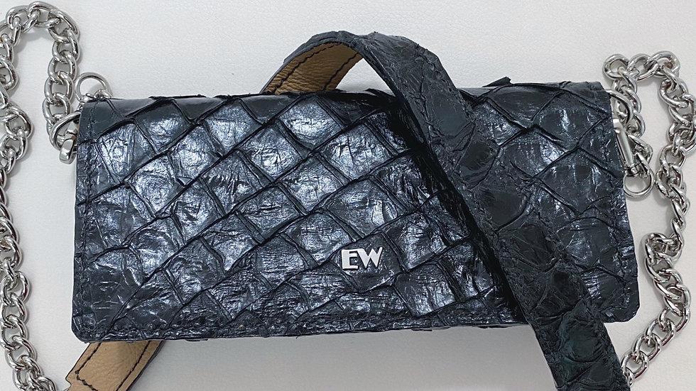 Bolsa Exotic Wallets Pirarucu - Preta com metais prateados