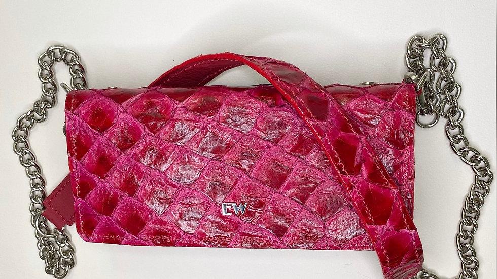 Bolsa Exotic Wallets Pirarucu - Vermelha com metais prateados