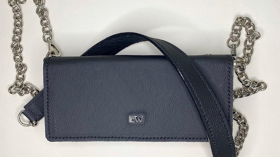 Bolsa Exotic Wallets Bovina - Preta com metais prateados