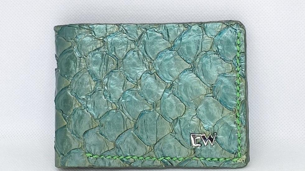 Carteira Exotic Pirarucu - na cor verde com costura clara