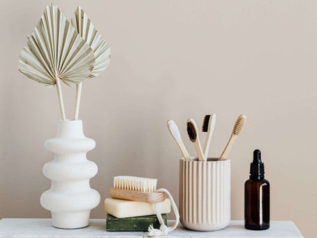 5 easy ways to cut plastic from your… bathroom