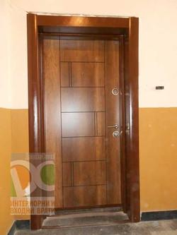 R38-gold-oak-exterior-doors1-min
