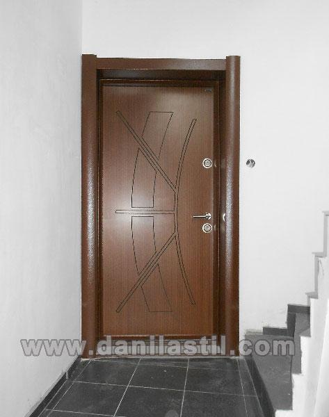 Входна врата R28 златен дъб
