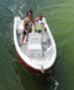 Lancha KRAUSE TR 17 modelo Panga visto de cima na Lagoa da Conceição Florianopolis Santa Catarina