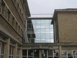 Liaison entre ailes de bâtiments