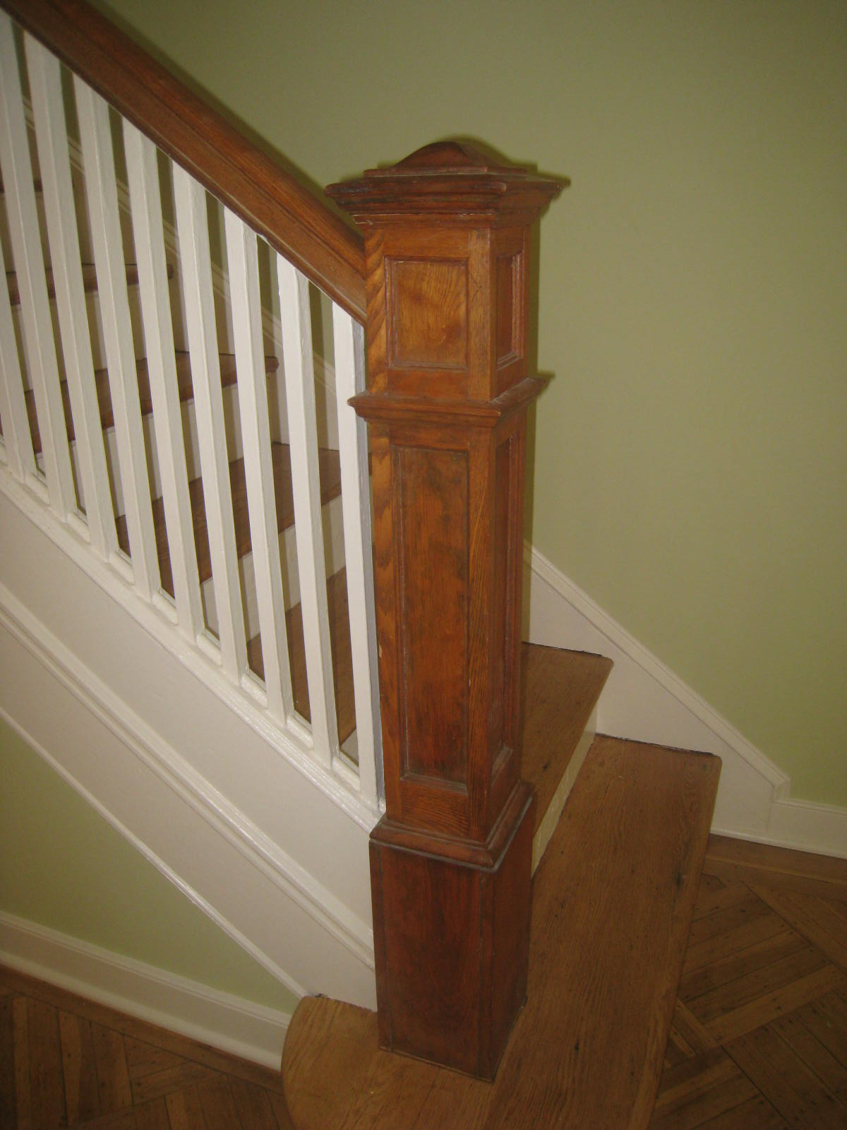 This newel was never finished